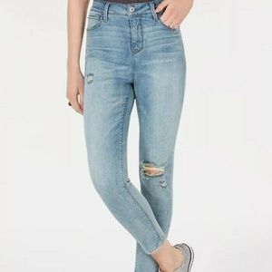 Vanilla Star Juniors' Super High-Rise Skinny Jean0